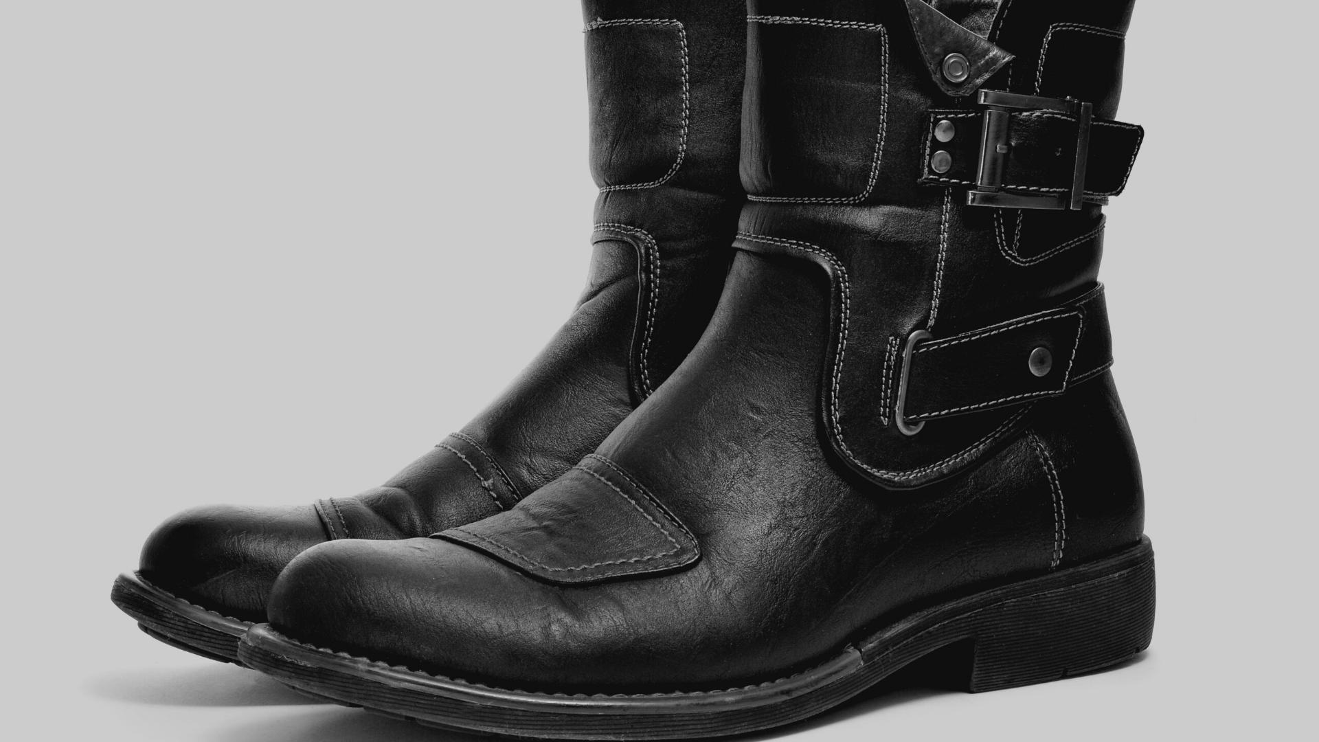 Foto di stivali texani da uomo neri